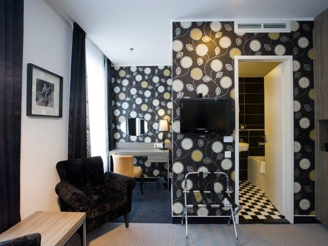 Основное здание - Fashion Experience XL Rooms