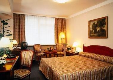 Основное здание - Danubius Guestroom