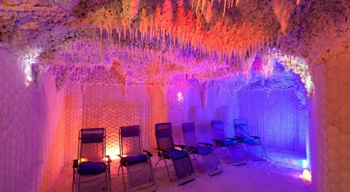 Солевая пещера с солью Мёртвого моря